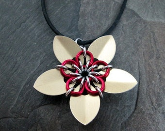 Chainmaille Flower Pendant - Golden Scales - Scale Flower - Scale Jewelry - Flower Necklace - Scalemail Pendant - Gold and Red