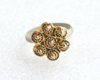 Vintage Antiqued Gold tone Floral Ring Vintage Costume Jewelry Pinwheel Adjustable Ring