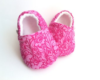 Pink Floral Baby Booties, Baby Shoes, Baby Slippers, Baby Booties, Baby Moccs, Soft Sole, Baby Gift, Baby Booty
