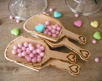 4  Wooden Scoops ... Wood Burned with hearts .... WEDDING Candy Buffet ... Rustic Chic