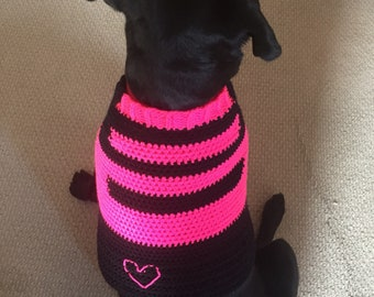 Large Dog Sweater >>hot pink and black