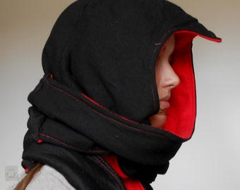 Hood scarf on the Assassin's Creed model - hand made