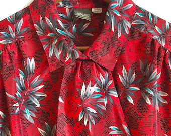 Leafy Floral Vintage Blouse / Bow Collar 70's Blouse / Boxy Statement Blouse