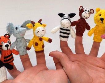 1 pcs/Knitted toy.Pocoyó Finger ,Marionetas . finger puppets