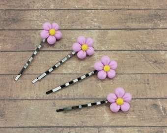Daisy hair clip / Baby pink daisy / Flower hair clip / Wedding hair clip / Girls hair accessory / Gift for daughter / Cute gift for her