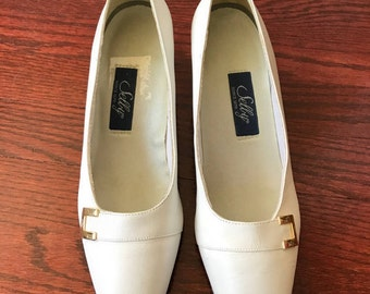 Vintage 70's Selby Brand White Low Heel Pumps 8