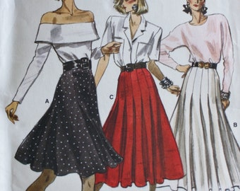 Vogue  7075 Flared or Pleated Skirt Sewing Pattern  Size 12-14-16 UNCUT