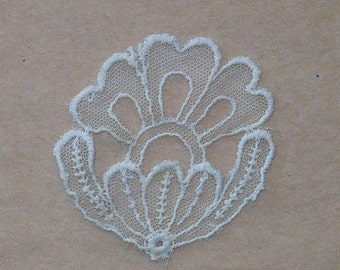 "2 1/2"" Thistle Vintage 1930's Applique, Vintage Sewing Supply"