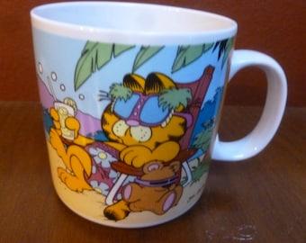 Garfield & Odie Lazier Coma mug Enesco 1986