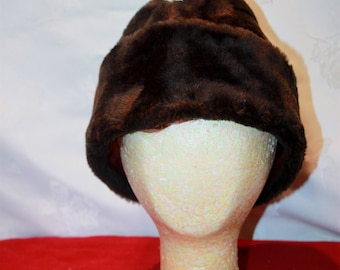 Vintage Brown Fur Hat, X-Lg, 7 1/2-7 5/8