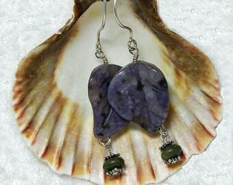 Leaf Earrings for Women. Nature Jewellery Idea. Earring Gift Ideas for Girlfriend. Nephrite Jade. Kiwi Stone. Kiwi Jasper. A0387