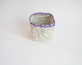 Crochet container with kitchen twine and a lavender border in raffia, crochet basket in ecru and radiant orchid,modern crochet READY TO SHIP