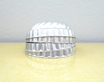 Vintage Jello Molds or Cake Tins