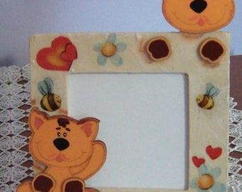 Wooden picture frame with kittens
