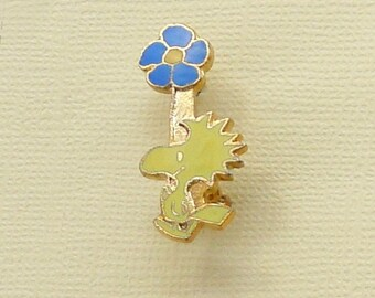 Aviva Vintage Pin Peanuts Woodstock Holding Tall Flower Enamel Cloisonne  1135