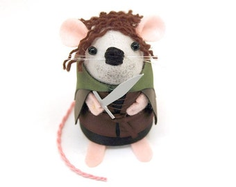 Aragorn Mouse - Collectable Lord of the Rings art rat artists mice felt mouse cute soft sculpture toy stuffed plush doll gift for lotr fans