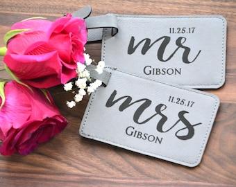Personalized Mr & Mrs Luggage Tags Wedding Luggage Tags, Bride Groom Luggage Tags Bride Groom Bag Tags, Wedding Bag Tags Pair of 2 Honeymoon
