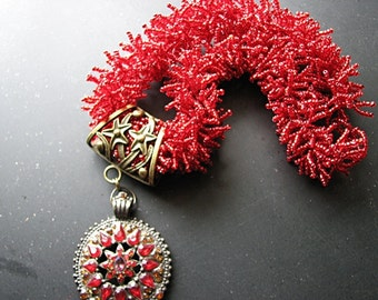 Beaded necklace with pendant    seed bead   red statement   starfish   choker   torsade