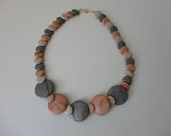 VINTAGE faux stone disc BEADED NECKLACE