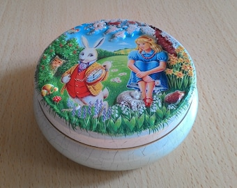 Vintage Tin Box Alice in Wonderland, candies Churchill's of London 1990s, vintage candy box Made in England