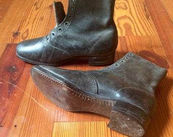 Antique Leather Boots c.1890-1910 The Invincible Shoe sz7