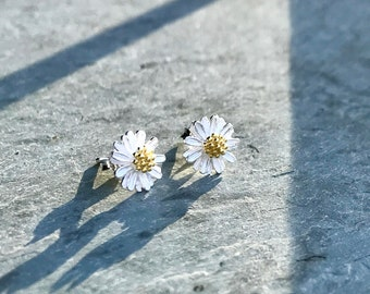 Daisy Stud Earrings, Sterling Silver Daisies, Daisy Flower Post Earrings, Botanical Nature Floral, Gold Plated Silver, Tiny Daisy Earrings