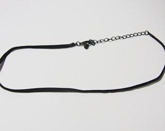 Velvet thin choker necklace