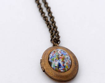 Vintage Style Locket Necklaces, Pearl Lockets, Pearl Necklace, Gift for Daughter, Gift for Granddaughter, Brass Locket,Cameo Locket Necklace