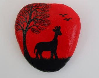 Giraffe, Painted Rock, Giraffe Gift, Stone Painting, Giraffe Silhouette, Hand Painted Pebble, Giraffe Art, Animal Painting, Rock Art, Stone