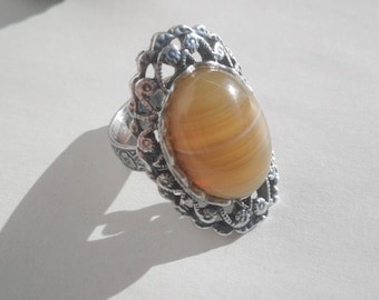 Honey yellow agate cabochon ring