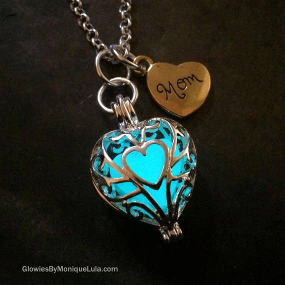 Mothers Day Necklace, Mom Gift, Glowing Heart Necklace, Mom Heart, Mothers Day Jewelry, Heart Locket, Mom Jewelry Gift, Mothers Day Gift