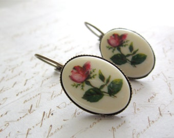 Vintage Eleanor Rose - Cameo Earrings