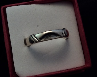 Southwestern Vintage Sterling Silver Cut Out Crescent Moon Band, Southwestern Rising Sun Cutout Vintage ring