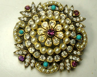 Gorgeous KRAMER Gold Jeweled Glass Pin, SWAG JOOLS,  Glam Gaudy Brooch, 1960s ,  Pearls, White Rhinestones, Turquoise n Amethyst Glass