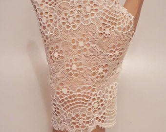 Lace Gloves in Cream, fingerless lace gloves, stretchy lace, lace mittens