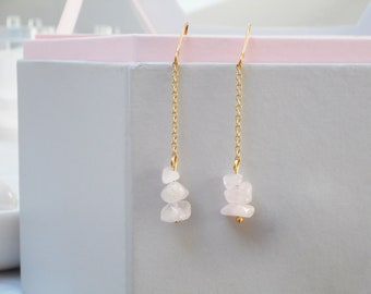Soft pink - dangling earrings in pink quartz gemstones and fine gold chain