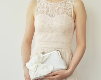 Ivory Bridal Clutch, Ivory Wedding Clutch, Silk Clutch, Cream Bridesmaids Clutches, Party Clutch, Evening Clutch, Classic Bow, Style C002