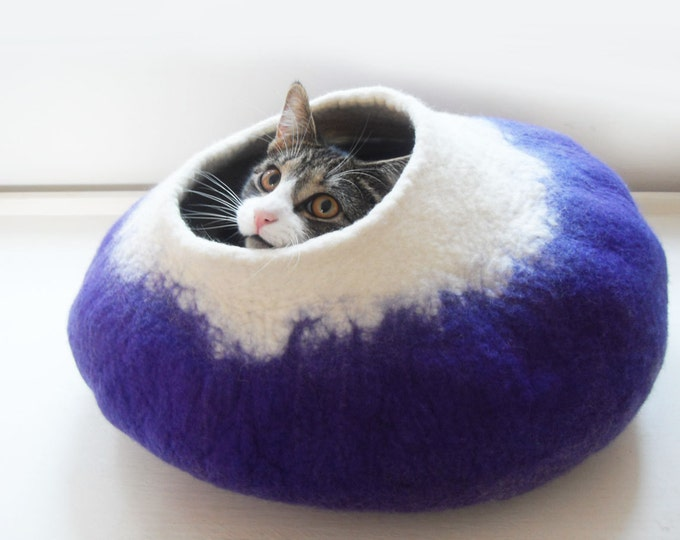 Cat Bed Cave House Cocoon Hand Felted Wool Purple with free Ball