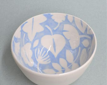 Bowl with leaves made of porcelain