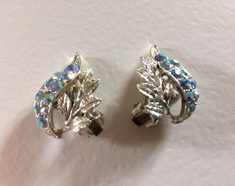 Gorgeous Vintage Silver Tone Leaf Clip On Earrings