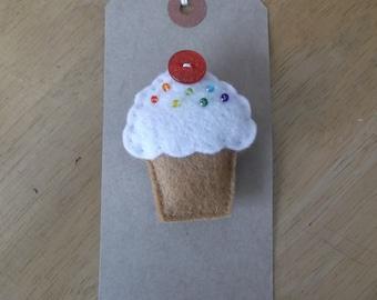 Felt rainbow cupcake brooch