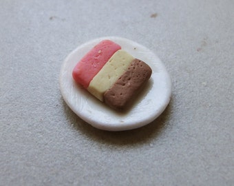 Dollhouse Miniature Neapolitan Ice Cream