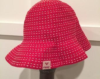 Roxy red bucket hat