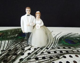 Bride Groom Figurine - Wedding Cake Topper Vintage - Wedding Decor Keepsake - Decor Display Collectible Wilton