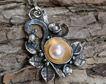 Pearl necklace, botanical jewelry, silver gold pendant, vine pendant, nature jewelry, leaf necklace, leaves necklace - Crazy love N4630B