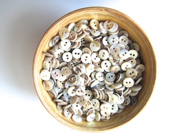 Mother of pearl MOB buttons 9 mm button nr. 73 | 50 pieces