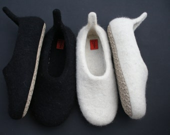 Felted slippers Men's house shoes Natural wool clogs handmade gift for him Wool