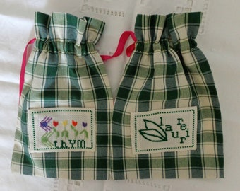 Set of 2 sachets in green Plaid cotton.