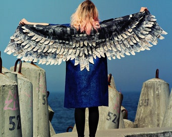 Bird wing wrap Winged shawl Wings scarf Felted scarf costume wings Nuno felted scarf Grey bird wings felt wings feather women felt shawl