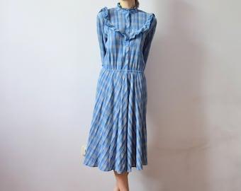 Vintage Plaid Dress. 70s Dress with Long Sleeves. Midi Dress. Blue Dress. Cotton Dress